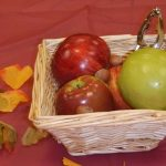 Keeping it simple with harvest-themed centerpieces